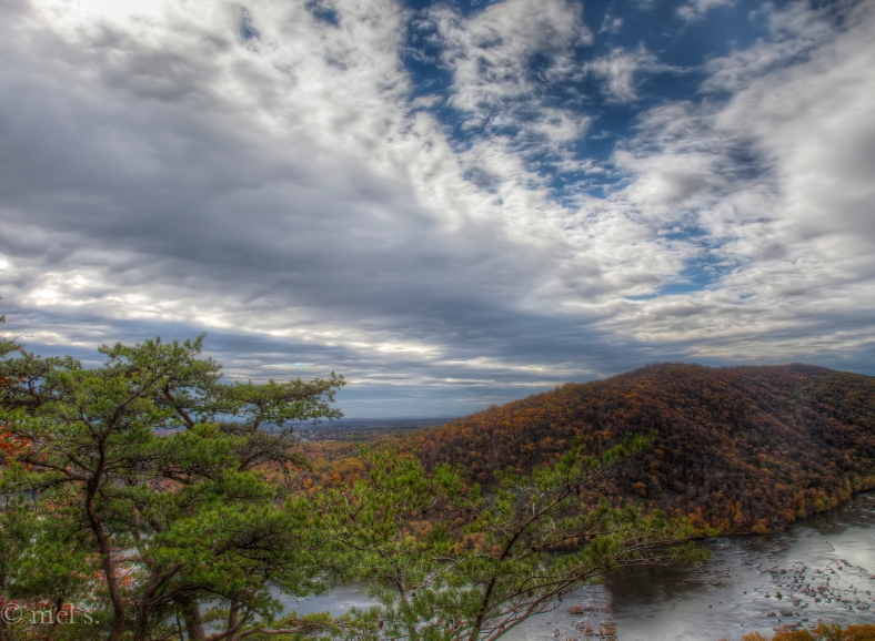 Potomac and clouds 115-7 HDR